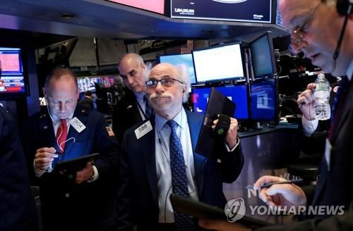 세계 증시 '코로나19 팬더믹 공포'…다우 2년만에 1,000P 미끄럼(종합)