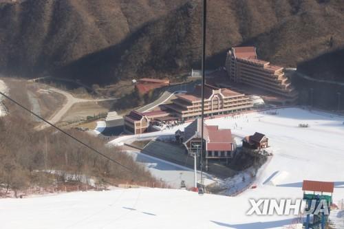"""온난화에 코로나19까지…블룸버그 """"김정은 스키장 야망 녹는다"""""""
