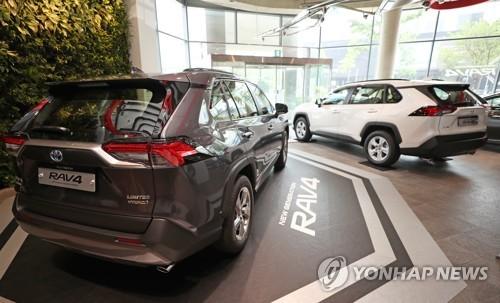 '불매운동'에 판매 꺾인 일본차, 할인에 구조조정까지 '안간힘'