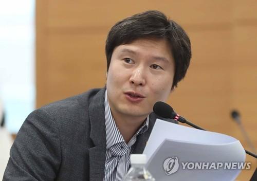 """김해영 """"추미애, 오해 사지 않도록 발언 신중해 달라"""""""