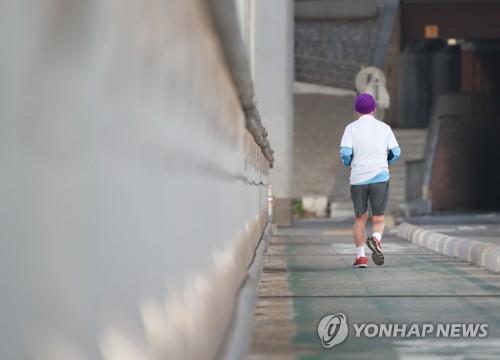 벌써 봄?…오늘 낮 서울 기온 14.6도로 올해 최고(종합)