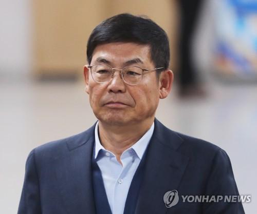 '법정 구속' 삼성전자 이상훈 이사회 의장 물러난다