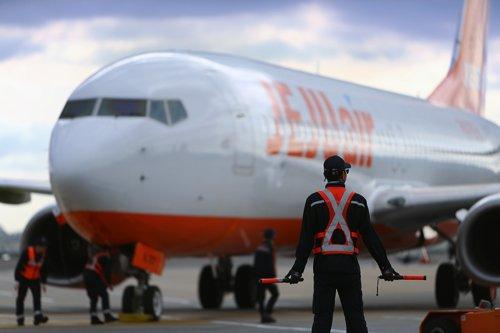 제주항공, '신종코로나'에 위기경영체제…경영진 임금 30% 반납