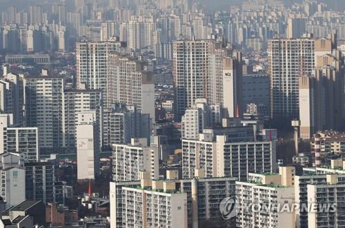 """홍남기, '수용성' 조정대상지역 포함 가능성에 """"추가 판단 예정"""""""