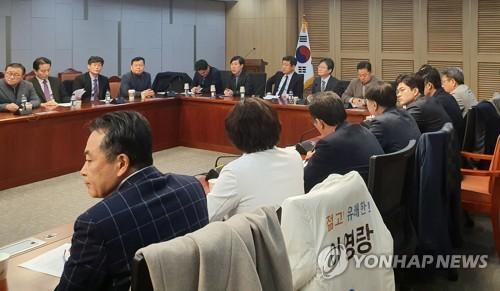 '보수통합' 가속 페달…황교안-유승민 손 맞잡을까