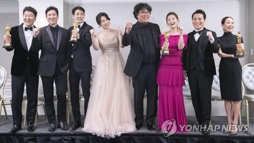 '기생충' 탄생시킨 한국영화계…포스트 봉준호는 누구