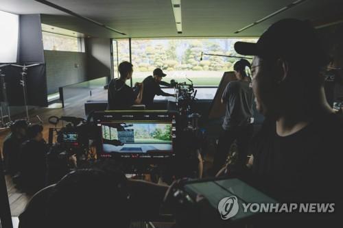 영화 기생충 마케팅 열풍…세트장 복원·특별상영전 등 봇물