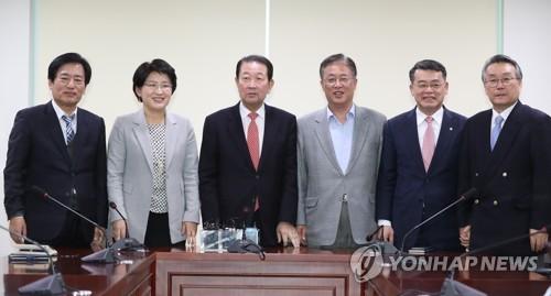 """'호남 기반' 3당, 17일까지 조건없이 통합키로…""""기득권 포기""""(종합)"""