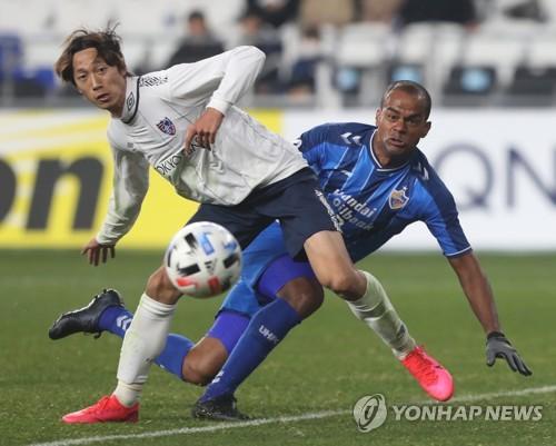 새 시즌 첫걸음 울산, 자책골 덕에 FC도쿄와 1-1 무승부