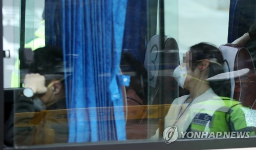 3차귀국 우한교민·중국가족 140명 이천 도착…격리생활 시작(종합)
