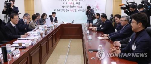 """한국당 면접 첫날부터 송곳질문…""""3선 거부감 어떡할 건가""""(종합2보)"""