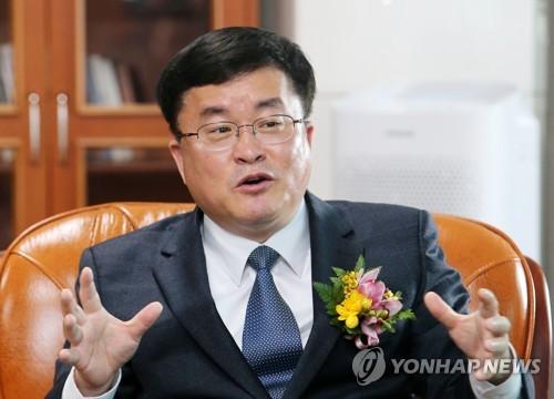 """성지용 춘천지방법원장 """"정성 깃든 '좋은 재판'으로 신뢰 회복"""""""