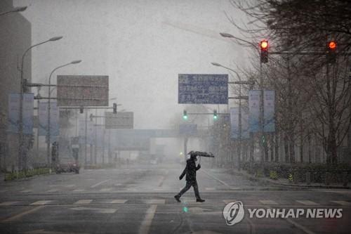 후베이 제외 중국 코로나19 주춤 속 하루 확진 5천여명 증가(종합2보)