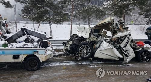 순천-완주 고속도로 터널서 다중추돌 화재…3명 사망·43명 부상(종합4보)