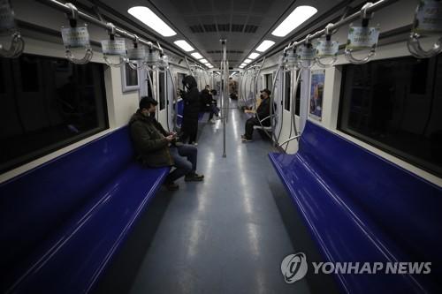 중국 코로나19 확산세 주춤…최대 정치행사 '양회' 연기(종합)