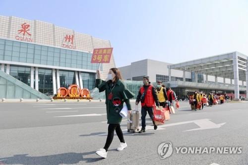중국 코로나19 생계 지원 강화…후베이 부가세 3개월 면제