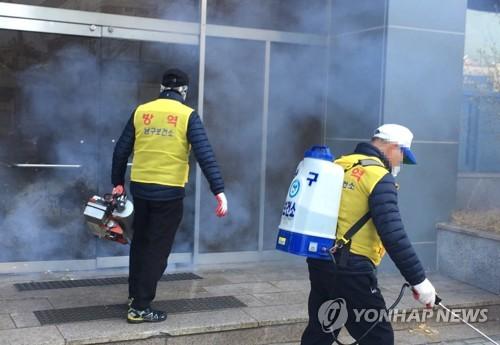 """코로나19 환자 절반은 신천지 관련…""""전파 통제 주력""""(종합2보)"""