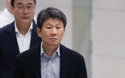 """""""왜 하필 지금…"""" 머리 싸맨 정몽규 회장"""
