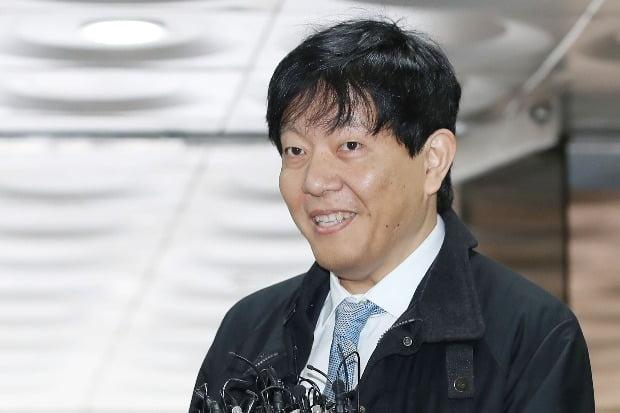 이재웅 쏘카 대표가 19일 서울중앙지법에서 열린 '타다' 1심 선고 공판에 출석했다. / 사진=연합뉴스