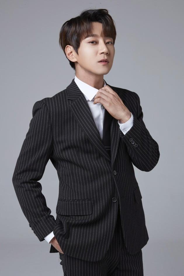 가수 황치열. /사진제공=희망브리지 전국재해구호협회