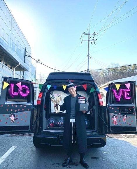 """""""밤톨커트 42번"""" 박서준 인증샷 / 사진 = JTBC 제공"""