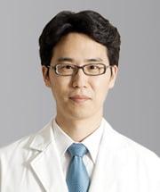[한방 건강상식] 척추관협착증 통증으로 움직이기 어려울 때 효과적인 '동작침법'