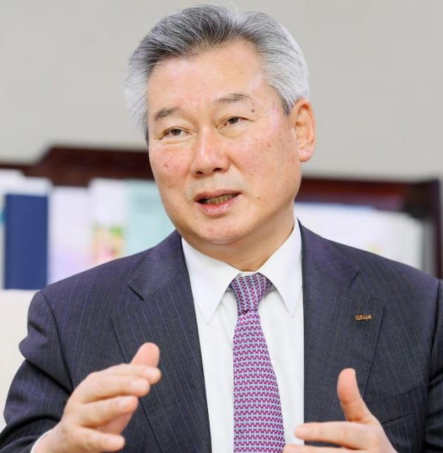 손창완 한국공항공사 사장.