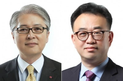 26일 LG전자 주총에서 사내이사로 선임된 권봉석 CEO(사장·왼쪽)와 배두용 CFO(부사장). / 사진=LG전자 제공