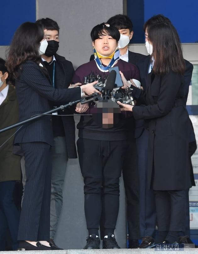 [포토] 조주빈, '마스크 벗고 검찰 송치'