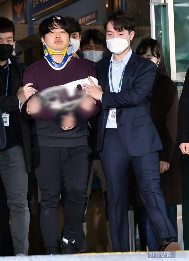 [포토] 취재진 바라보는 조주빈
