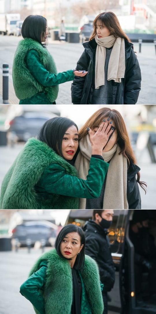 방법 조민수, 엄지원 부적 결박 납치 (사진=tvN)