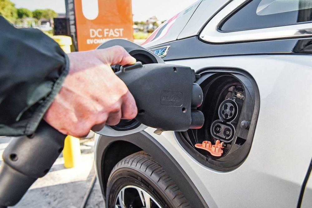 [하이빔]전력 유통에 눈독 들이는 자동차회사