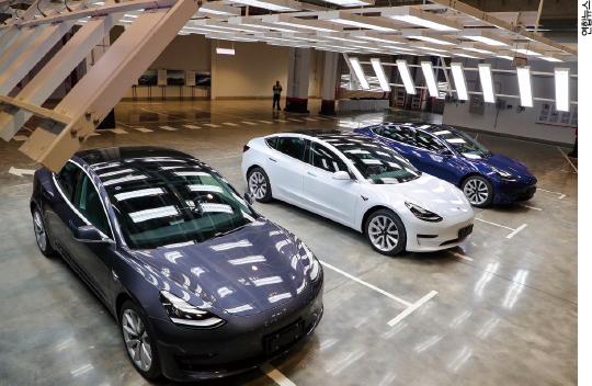 엘론 머스크의 테슬라, 전기차로 세계 자동차 시장을 뒤집을 수 있을까