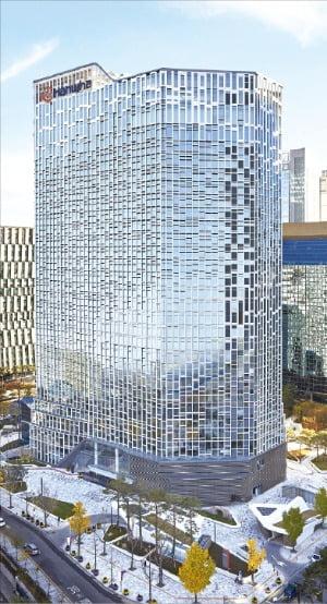서울 장교동에 있는 한화빌딩.  한화그룹 제공