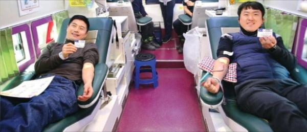 현대중공업그룹 임직원들이 코로나19로 인한 혈액 수급난 해소에 동참하기 위해 지난달 19일부터 사흘간 사내에서 임직원 단체 헌혈을 했다.  현대중공업 제공