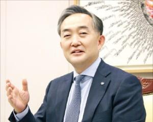 """신현준 신용정보원장 """"공신력 갖춘 금융데이터 유통하겠다"""""""