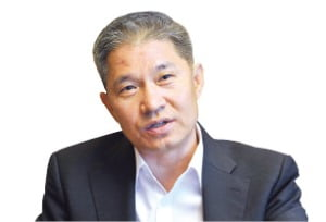 """강방천 """"코로나19가 부실기업 정리 촉매 역할"""""""