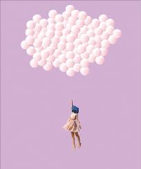 [사진이 있는 아침] 명품가방을 쓰고 하늘을 날다