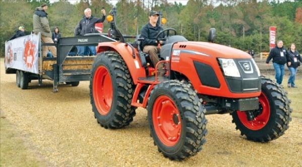 소형 트랙터로 北美 공략…질주하는 농기계 '한류'
