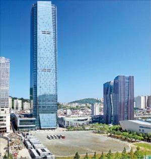 4월 초 3단계 사업 부지의 공모에 들어가는 부산국제금융센터(BIFC) 전경.   부산시  제공