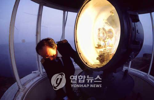 [알쏭달쏭 바다세상Ⅱ](3) 망망대해 어둠 속 신호등 '등대'