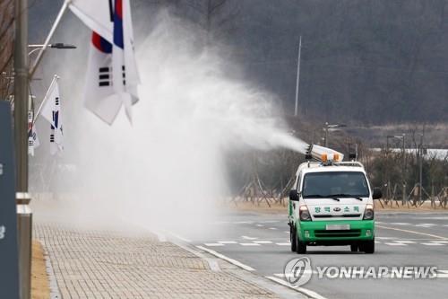 '코로나19 확산 차단' 충북도, 가축 방역 차량 64대 투입