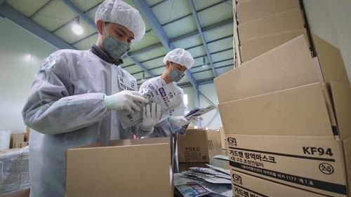국방부, 마스크 생산 6개업체에 장병 72명·배송차량 지원(종합)