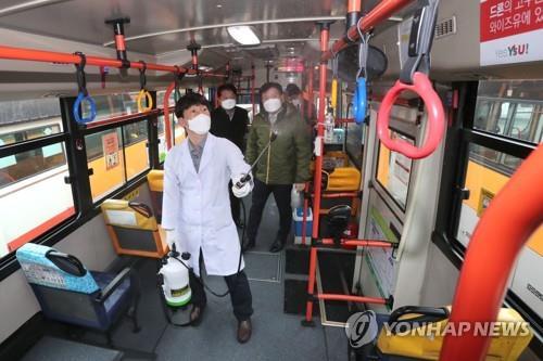 청주 택시·버스 코로나19 직격탄 맞아…승객 절반 '뚝'