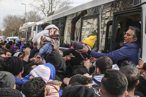 """에르도안 """"EU와 난민 문제 논의 위해 9일 브뤼셀 방문"""""""