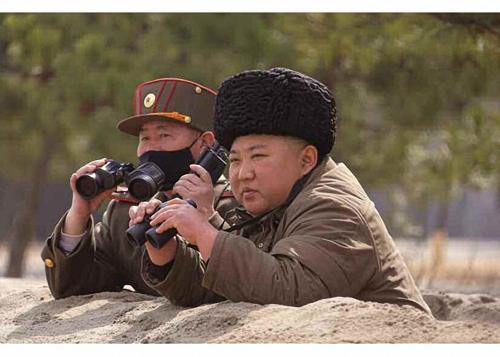 북한, 일주일만에 또 화력타격훈련…초대형 방사포 발사
