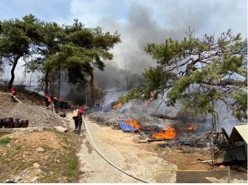 경기도 6개 시·군서 산불·들불 연이어 발생…6천㎡ 타