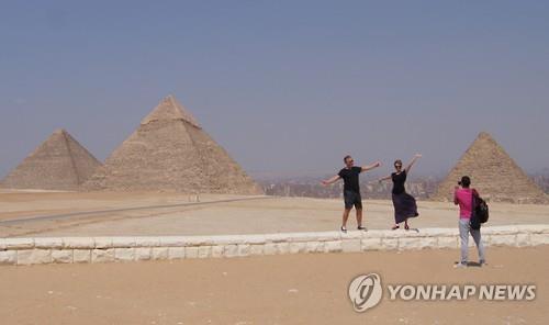 이집트, 코로나19 확진자 300명 육박…피라미드 등 관광지 폐쇄