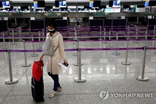 홍콩, 외국인 관광객 입경·경유 전면 금지…술 판매도 금지키로(종합)