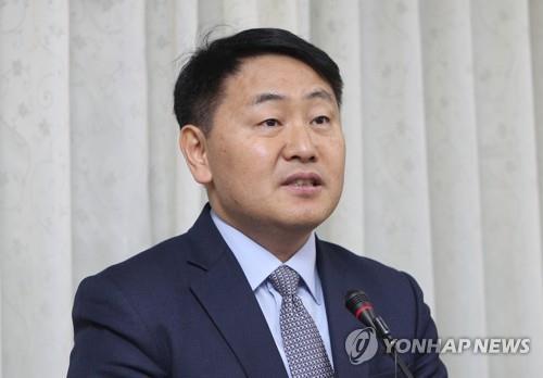 """김관영 군산 예비후보 """"코로나19 극복 위해 세비 전액 반납"""""""
